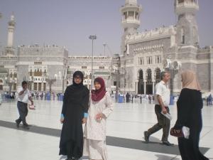 along dan acik di masjidil Haram