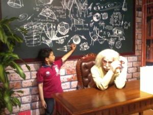 ...dan saya sedang mengajar Einstein