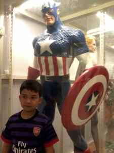 ooo....rupanya captain America ada di sini ye....